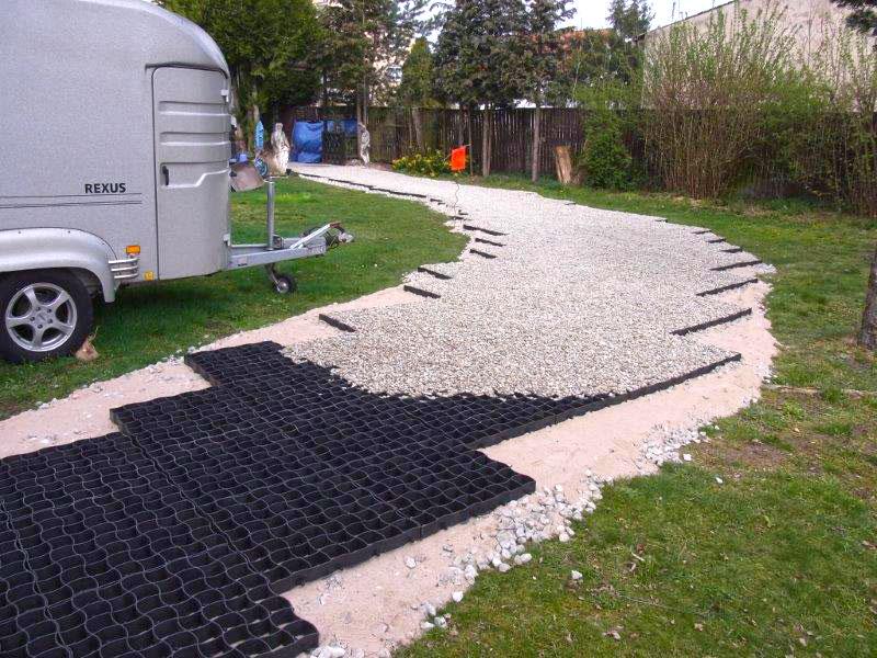 befestigung eines gartenweg ohne unterbau mit bodengitter bg50 securatek onlineshop. Black Bedroom Furniture Sets. Home Design Ideas