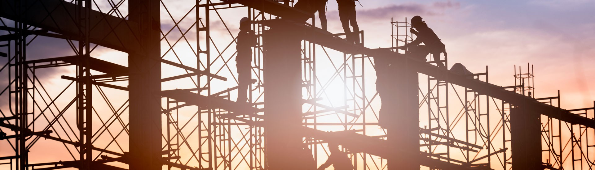 Produkte, Lösungen & Referenzen für den Höhenzugang, Gerüstbau, Arbeitsbühnen, Hebebühnen, Scherenbühnen...