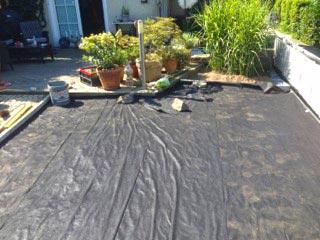 verlegen der kieswaben kw50 f r eine neu angelegte kies terrasse im garten securatek