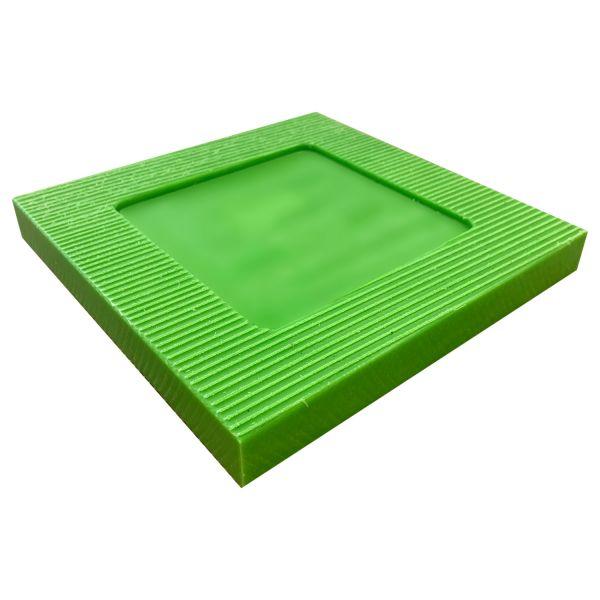 Unterlage für Spindelfüße im Gerüstbau aus Kunststoff 250x250x30mm zur Unterlegung der Spindelfüße für Fassadengerüste im Gerüstbau statt Holz.