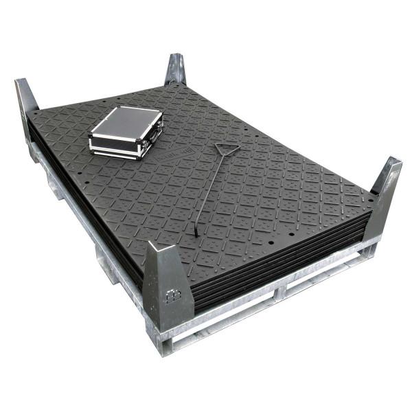 x:tek 46 · 6er Fahrplatten Set · 14,64 m² · 12,00 lfm · 6mm smartGrip mm / 1mm roughGrip Profilierung (wählbar) · Belastbar ca. 85 Tonnen · Inhalt: 6 x:tek Fahrplatten 1 x Stahlpalette, 12 x Einzelverbinder, 1 x Handhaken Stahl, 1 x Zubehörkoffer, 4 x Si