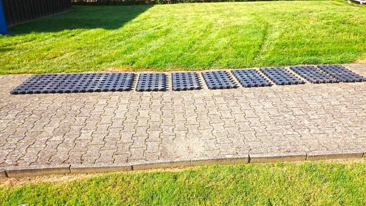 Bekannt Kunststoff Rasengittersteine ohne Unterbau direkt auf den Rasen PZ75