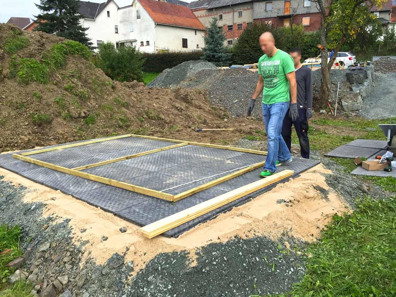 Holzfußboden Gartenhaus ~ Bodenmatten statt holzboden als isolierender fußboden für ein