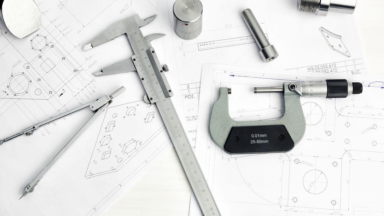 Kundenlösungen, maßgefertigte Frästeileile aus hochwertigen Kunststoff Halbzeugen als individuell hergestellte Fahrplatten, Abstützplatten, Unterlegeplatten, Distanzplatten und Nivellierplatten.