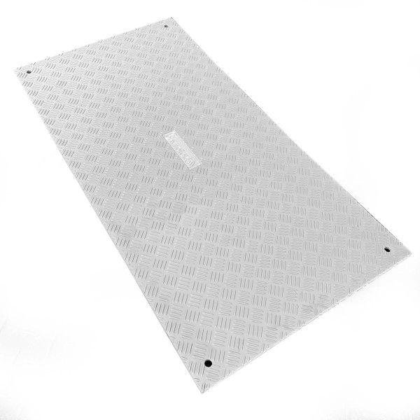 e:tek 36 · 15mm starke Fahrplatte aus Kunststoff · 2mm Profilstruktur · Belastbar bis ca. 15 Tonnen