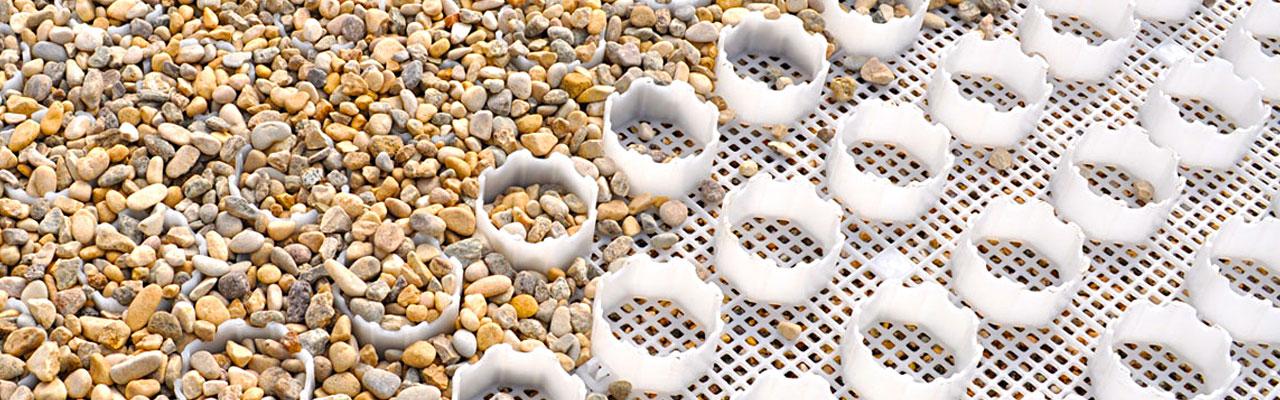 Kiesgitter, Kieswaben Kiesmatten aus Kunststoff zum anlegen von unversiegelten und funktionalen Wegen bzw. Flächen aus Kies, Schotter sowie Splitt.