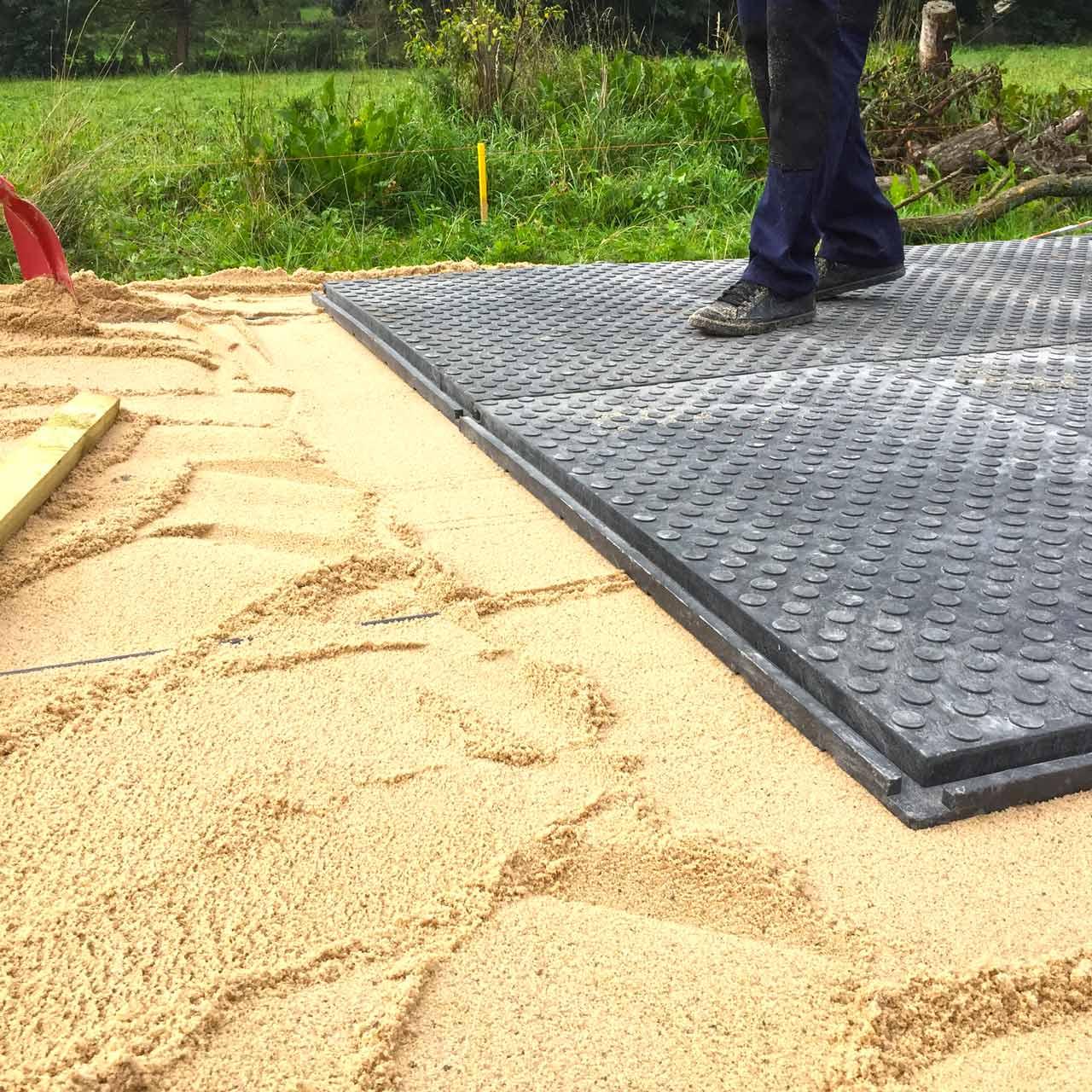 Bodenmatten Statt Holzboden Als Isolierender Fussboden Fur Ein