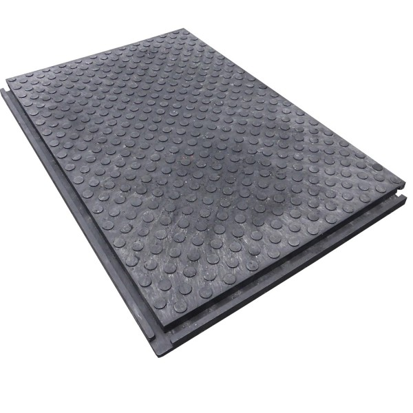Hochbelastbare Bodenmatte zum abdecken & schützen sensibler Böden & Flächen. Fußgängerfreundlich & befahrbar. Schnell & leicht zu verlegen. Massive Verzahnung.